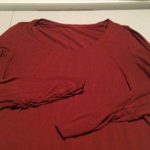 Woman's long-sleeved shirt